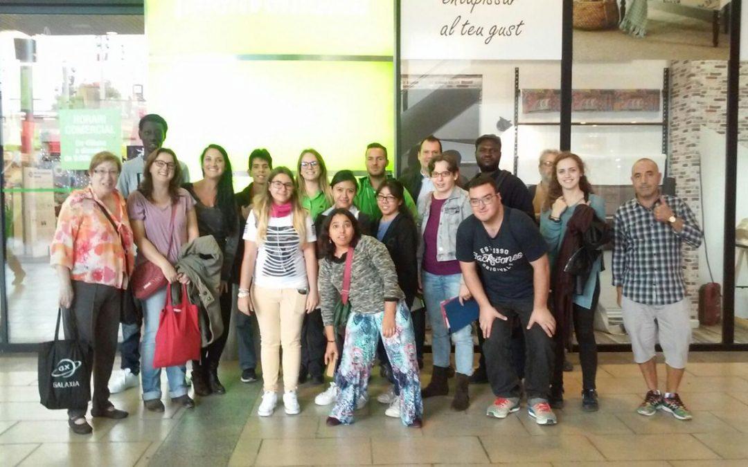Los alumnos de los programas de inserción visitan el Leroy Merlin