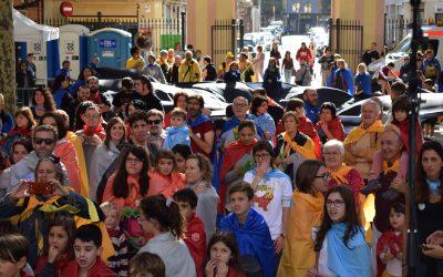 Més de 400 persones participen en la festa de les #superheroinesBcn