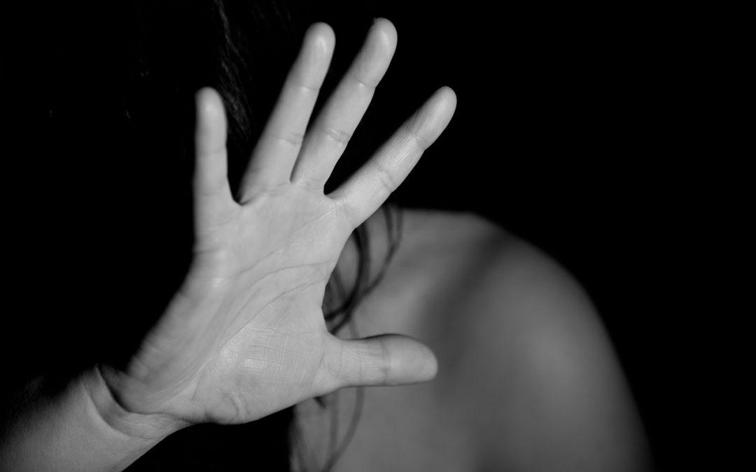 Vivències d'un jutjat: reflexió crítica sobre la indefensió de les víctimes en els judicis per violència de gènere