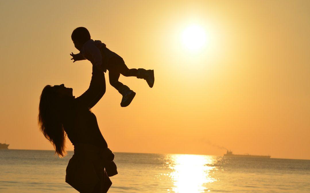 Familia en juego: un espacio para ayudar a encontrar la propia manera de ser madre